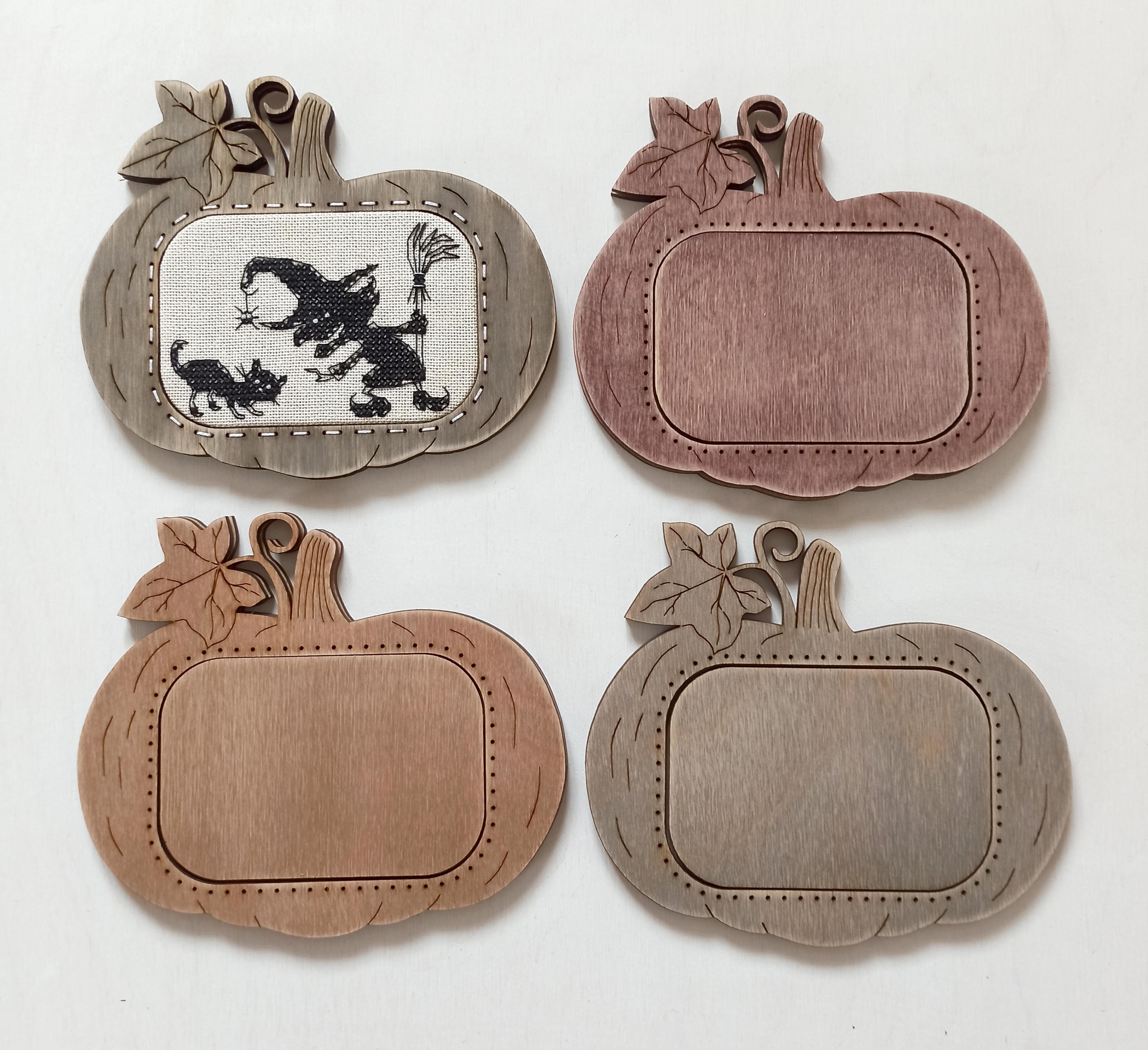 Рамка для вышивки Тыковка (цвет Орех)