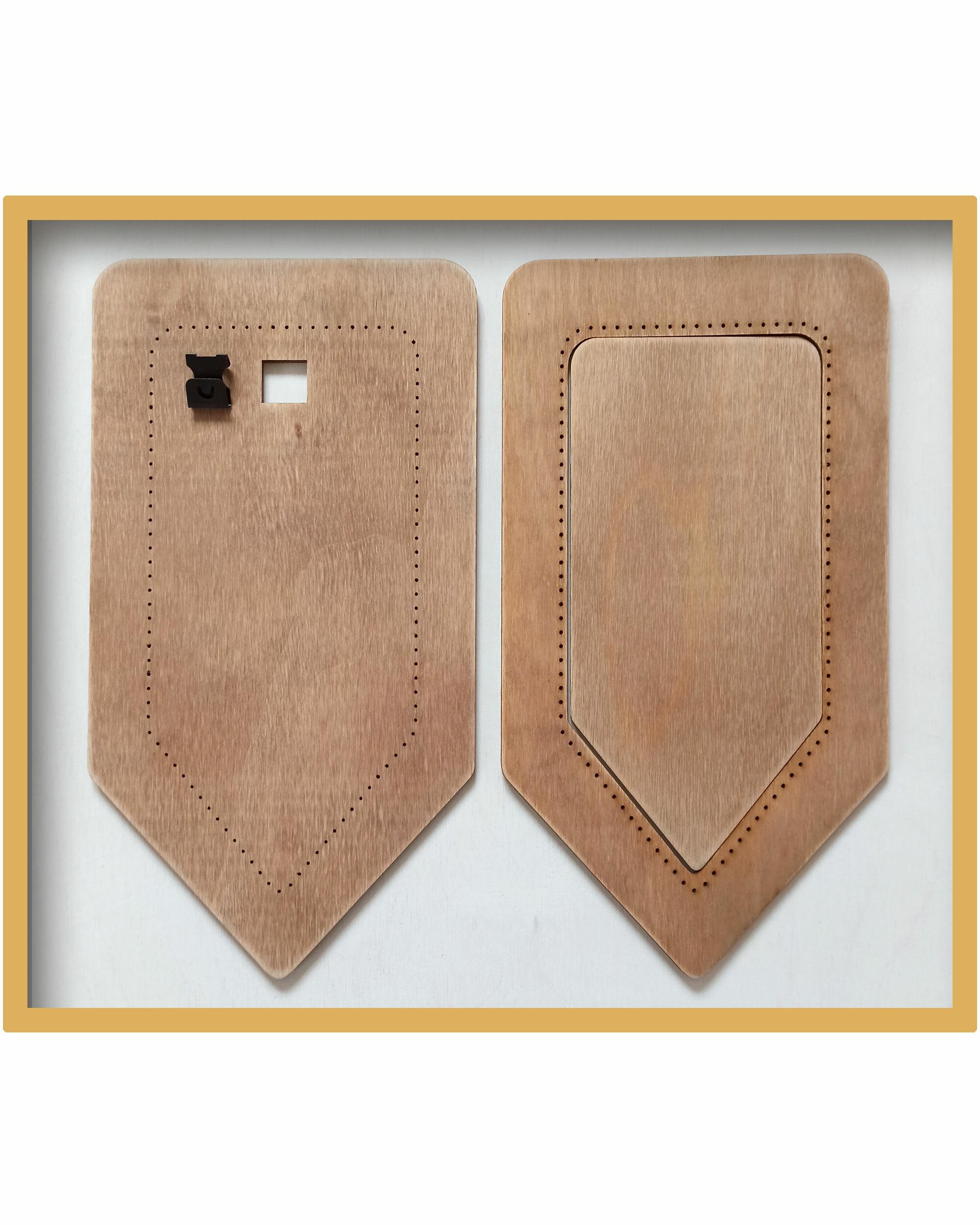 Рамка для вышивки Флажок (цвет Орех)