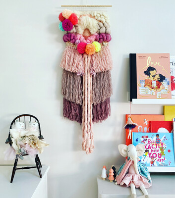Small woven wall hanging 20 cm wide.