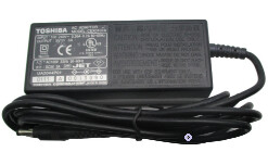 CEX0107A   Toshiba E570 5V, 3A AC Adapter