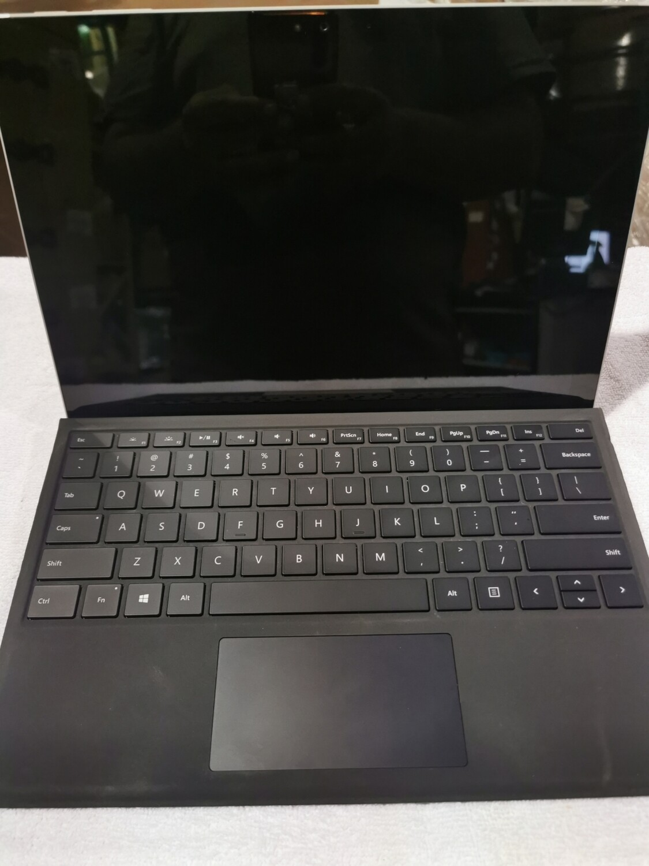 Microsoft Surface Pro 4 Core i5-6300u | 8GB | 256GB | 12.3