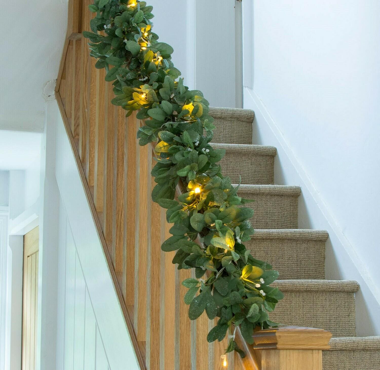 9ft Mistletoe Garland with Lights