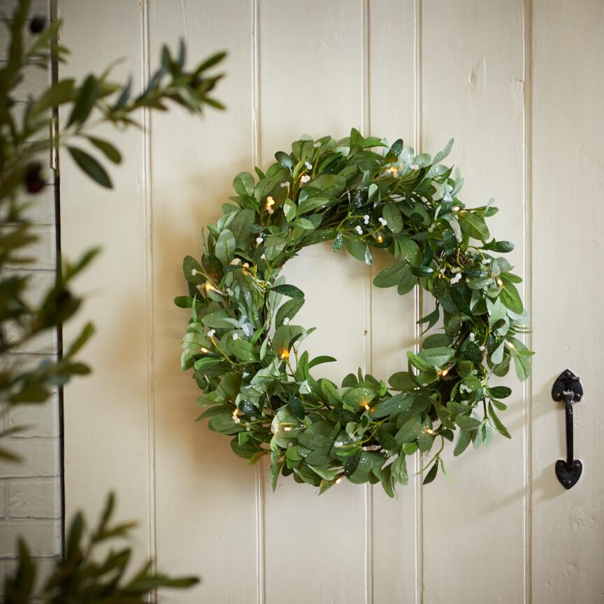 Mistletoe Wreath with Lights