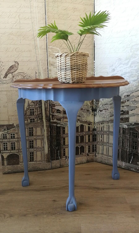 Half-moon Table