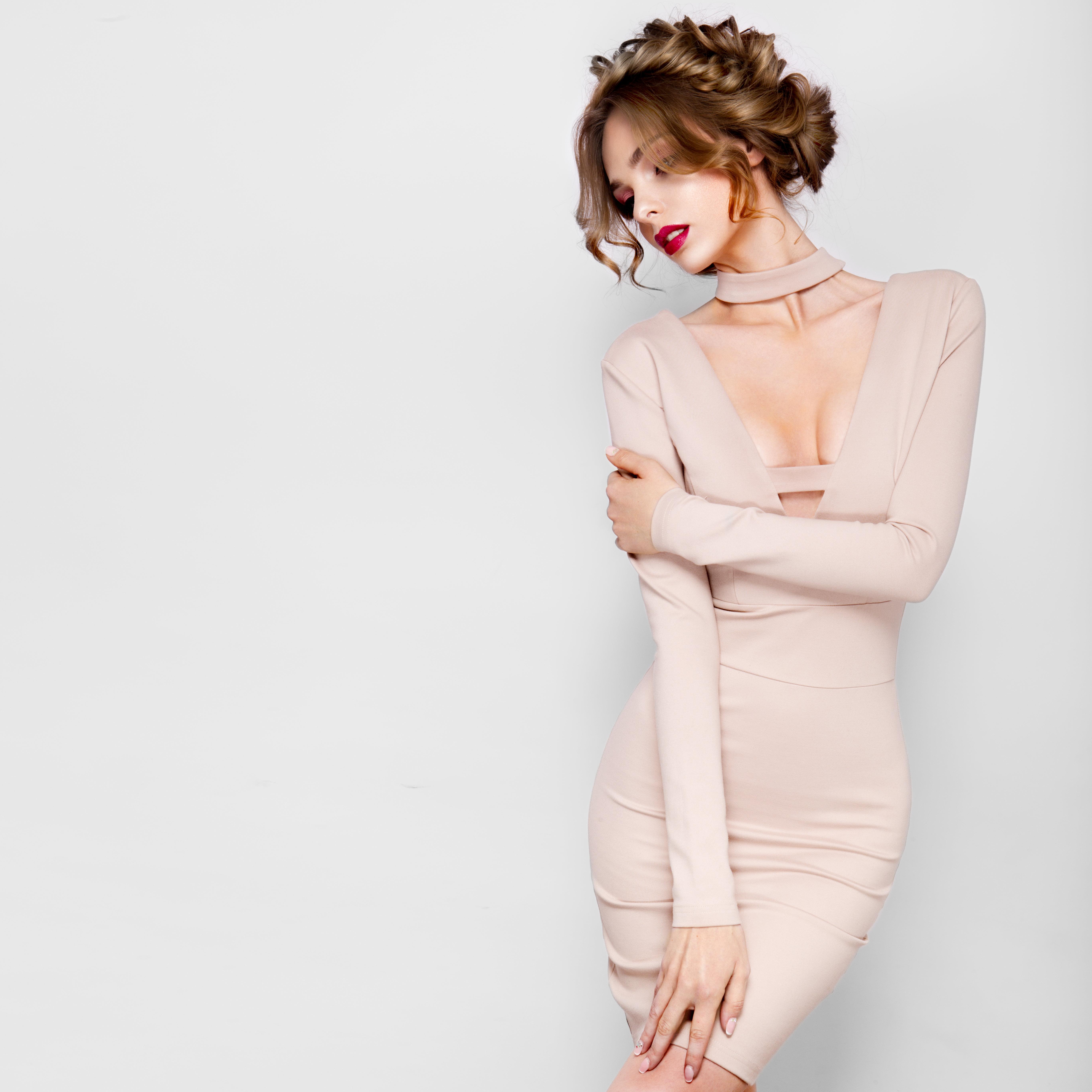 Ivone Dir - Strapless Sweetheart Fitted Dress