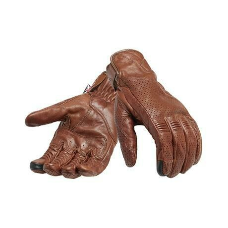 Triumph Banner Brown Glove