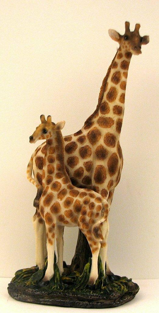 Giraffe Mom & Baby