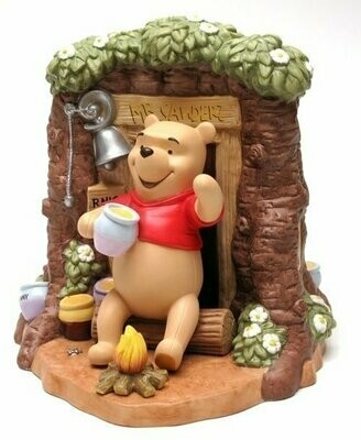 Disney Pooh and Classic Pooh Around the House Ltd Ed.