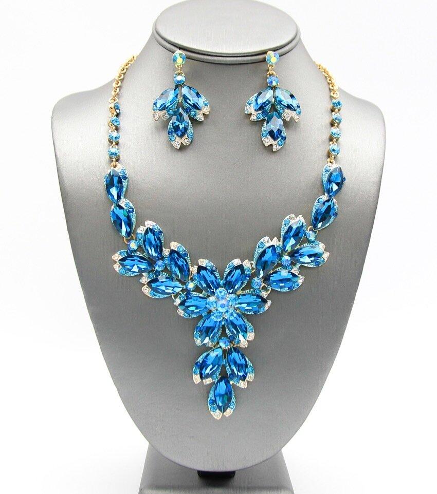 Crystal Flower Pendant Necklace Set