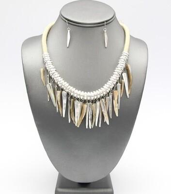 Ivory Spikes Collar