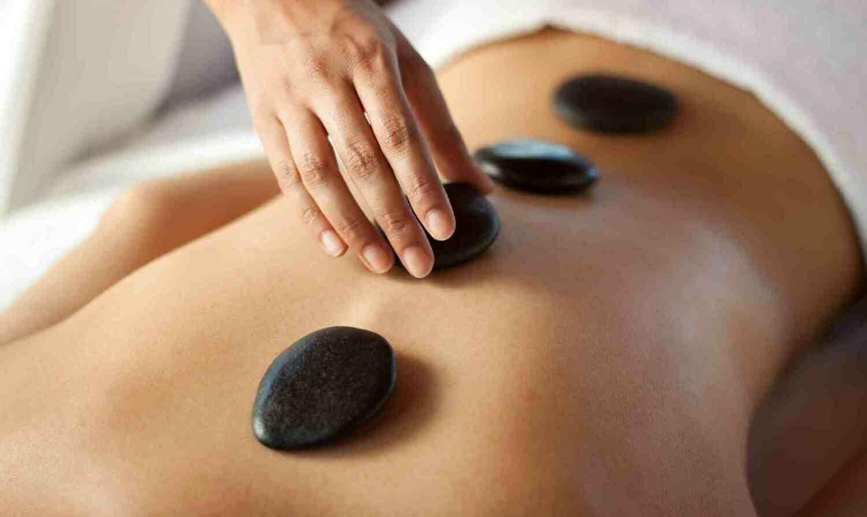 90 Minutes Session Hot Stone Massage with Aromatherapy and Aroma Scalp Massage