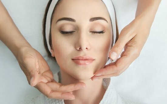 60 Minutes Purifying Acne Treatment Facial