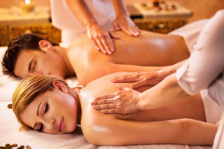 """60 Minutes """"COUPLES"""" Massage"""