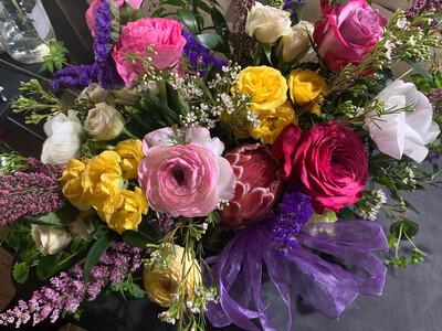 Cottage Floral Table Centerpiece