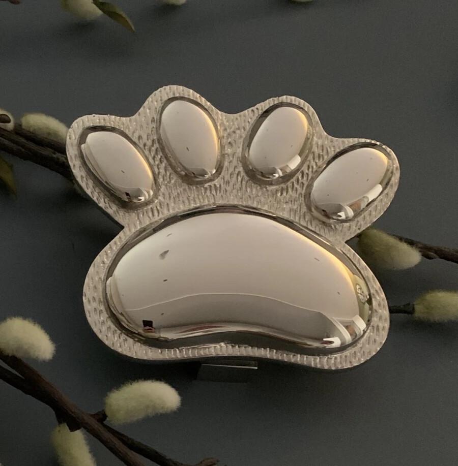 Dog/cat Paw door knocker in Nickel Finish
