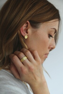 Shell Earrings Gold