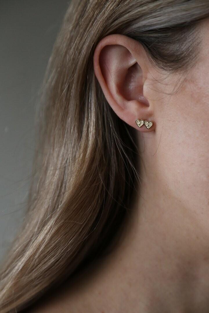 Heartbeat Earrings Gold