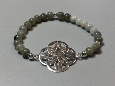 Elastisches Armband Labradorit und Endlosknoten Silber