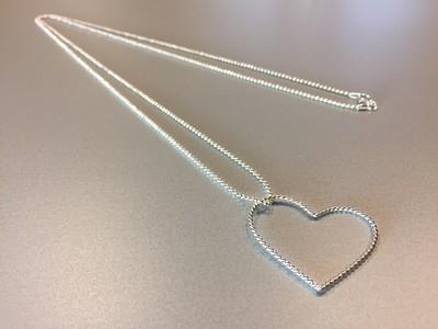 Lange Kugelkette mit Herzanhänger Silber