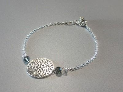 Zartes Silberarmband mit Ornament und Swarovskis