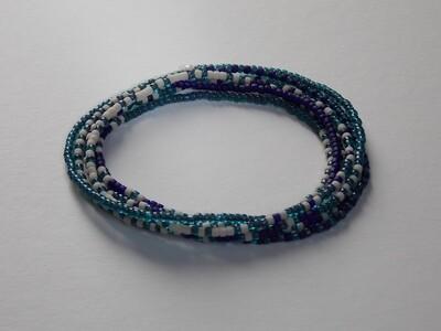 Stretch-Armbandkette blau weiß