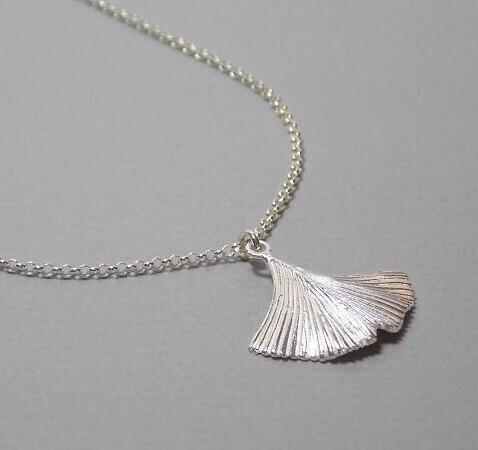Halskette Silber mit Gingkoblatt
