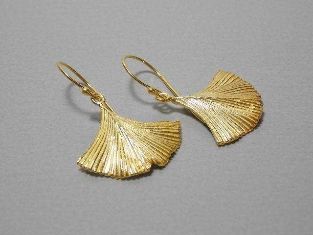 Ohrhänger Silber vergoldet mit Gingkoblatt