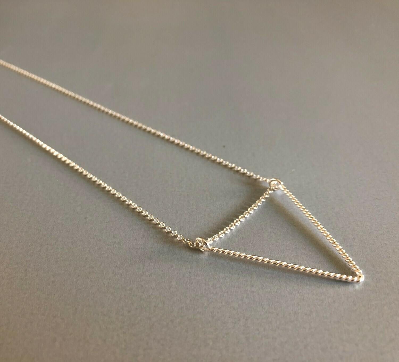 Lange Halskette Silber mit dreieckigem Element