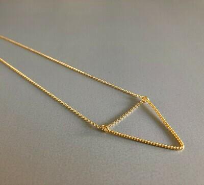 Lange Halskette Silber vergoldet mit dreieckigem Element