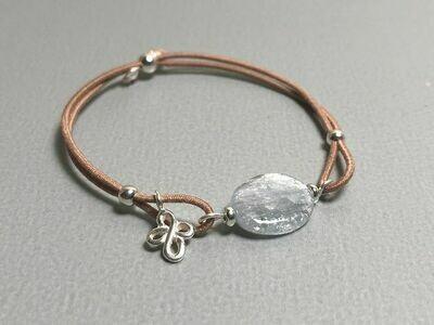 Elastisches Armband Kyanit und Silbercharms