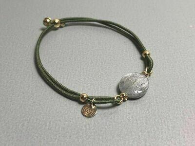 Elastisches Armband Kyanit und Silbercharms vergoldet
