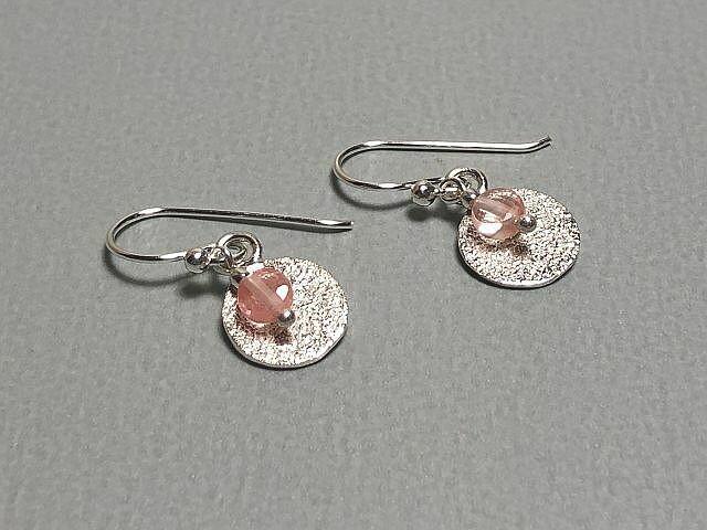 Ohrhänger Plättchen und Naturstein rose