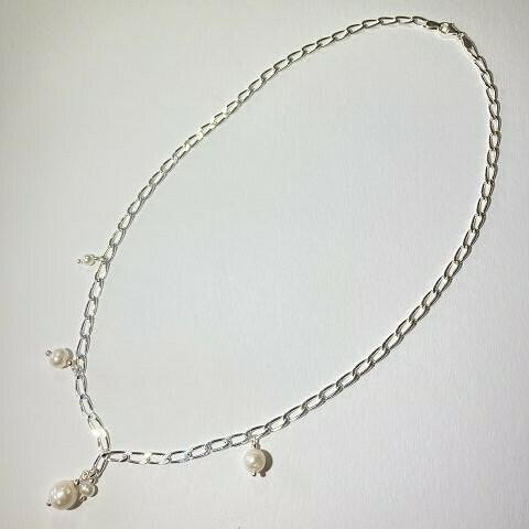 Gliederkette silber mit Perlen
