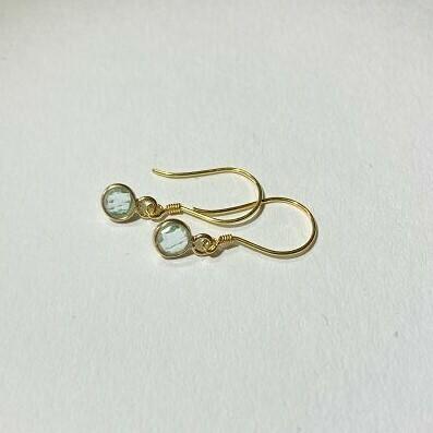 Ohrhänger vergoldet mit blauem Topaz
