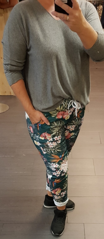 Print jogging groen met bloemen