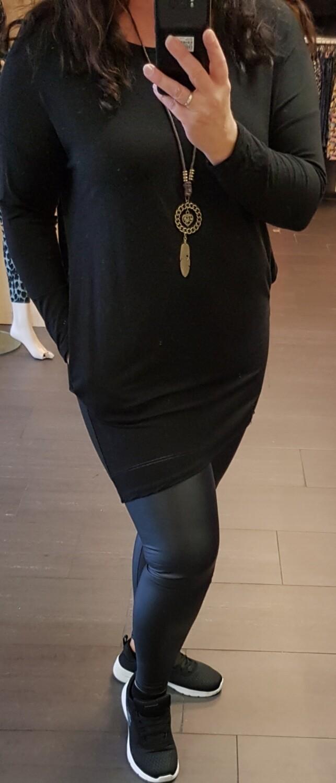 Tricot tuniek zwart met ketting