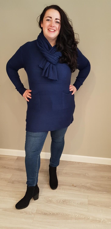 Gebreide trui met sjaal blauw