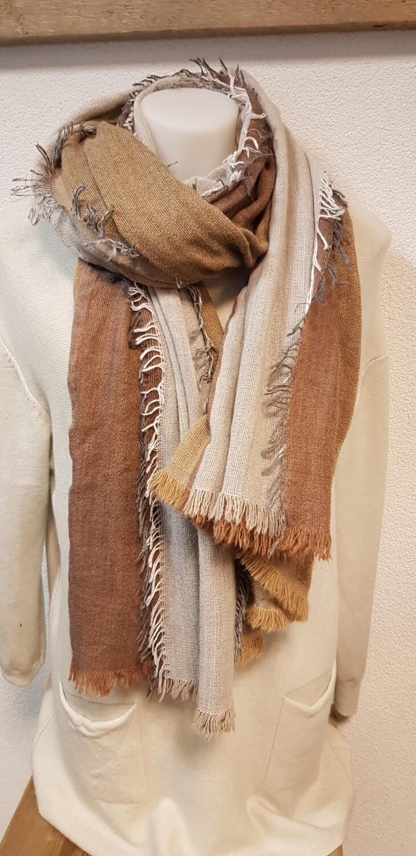 Wintersjaal taupe kleurig