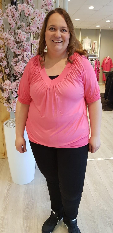 Plus size top met v hals roze