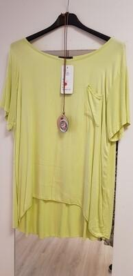 Geel tshirt met ketting