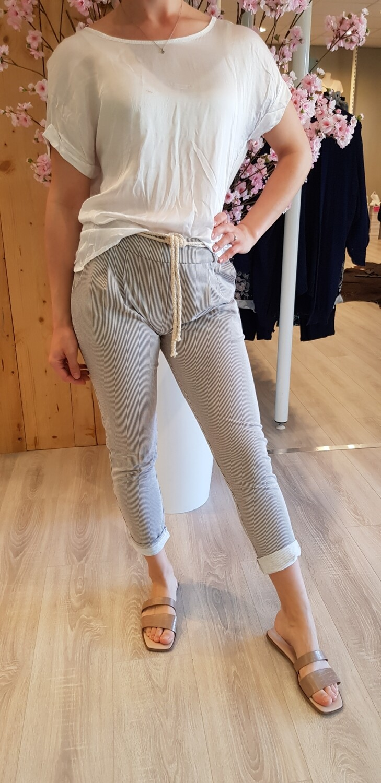 Jog pantalon beige met witte streep