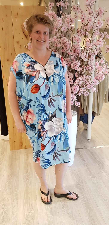 Oversized tuniek/jurk Flower licht blauw