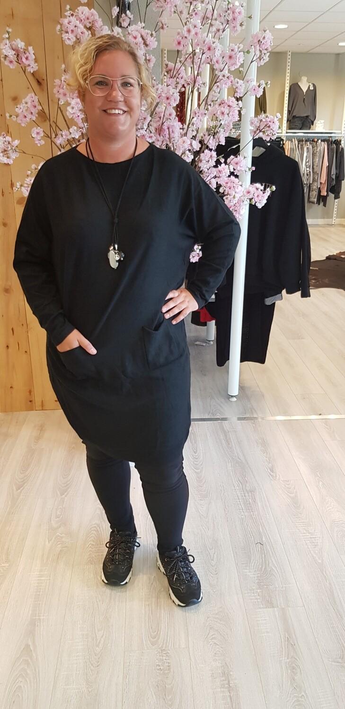 Lange trui met knoopjes zwart