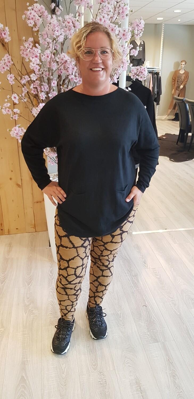 Jog jeans suedine zwart camel vlek