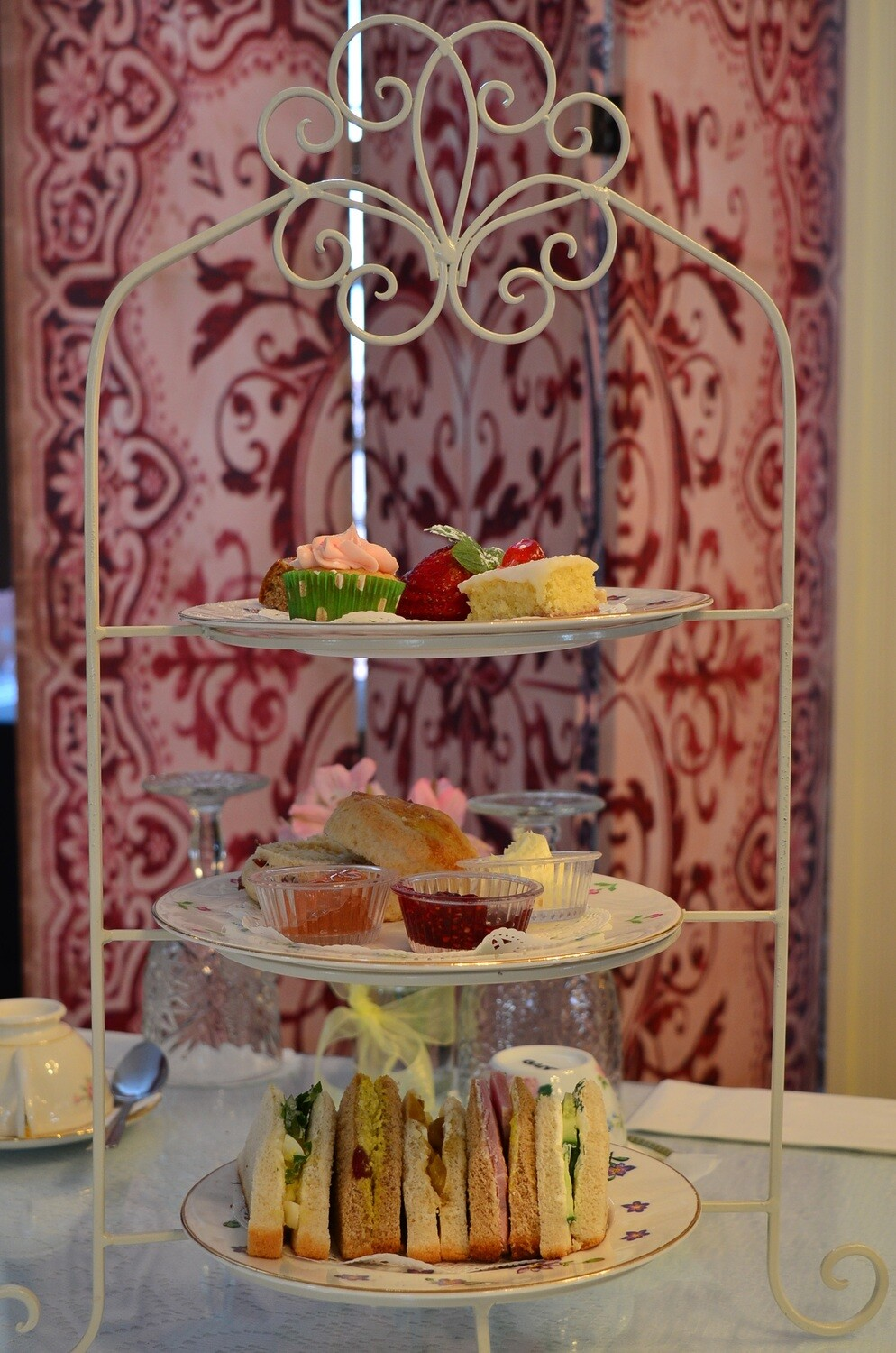 Cake stand with 3 tiers for afternoon tea