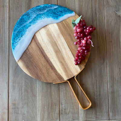 Cheese Board Teal Wave On Round Acacia W Metal Handle