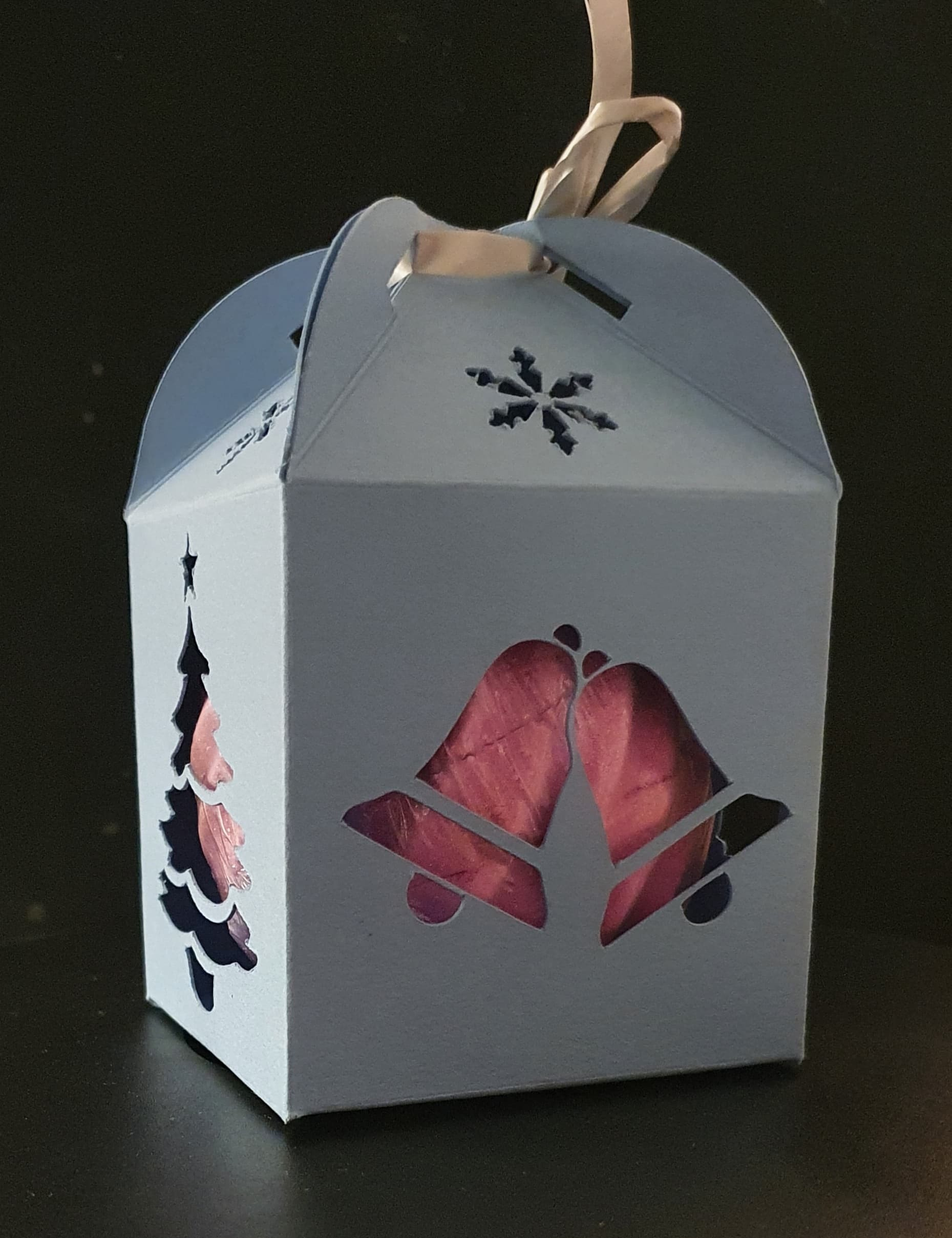 Christmas gift box Approx Height 100 mm ,length 68 mm & Length 68 mm
