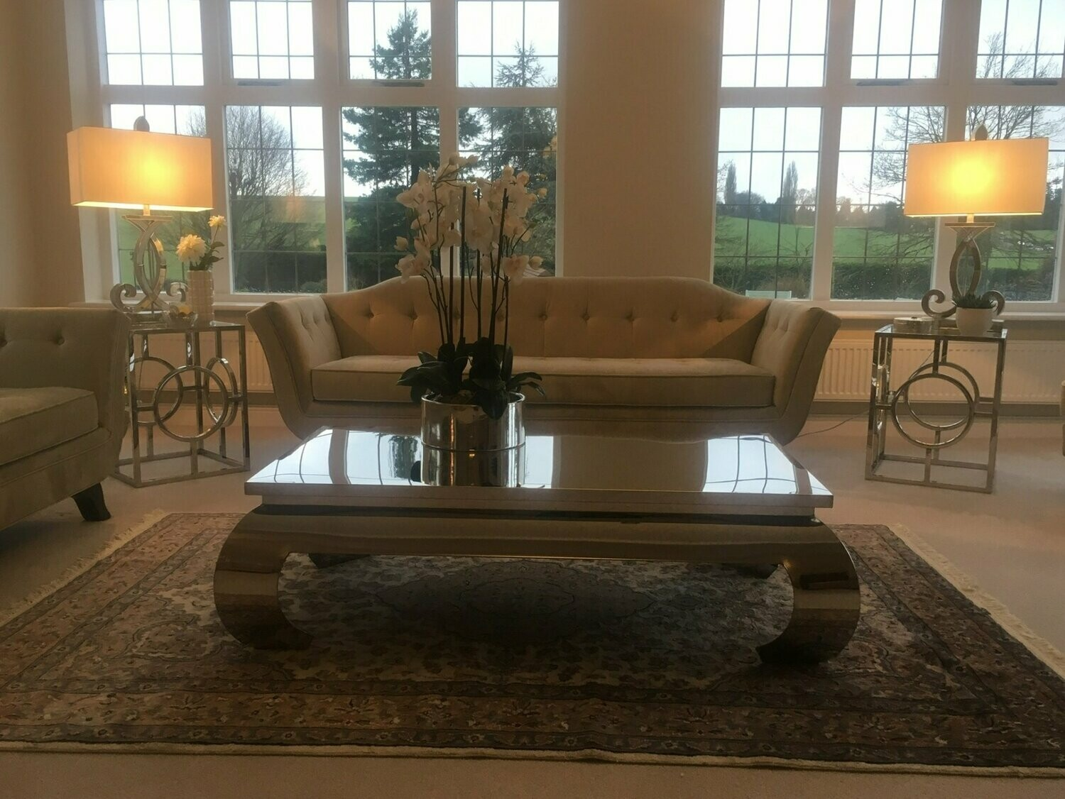 Mirrored Coffee Table With Curved Legs Small