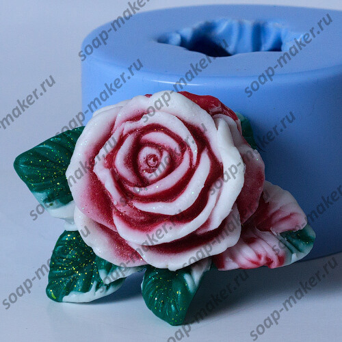 Роза с листочками