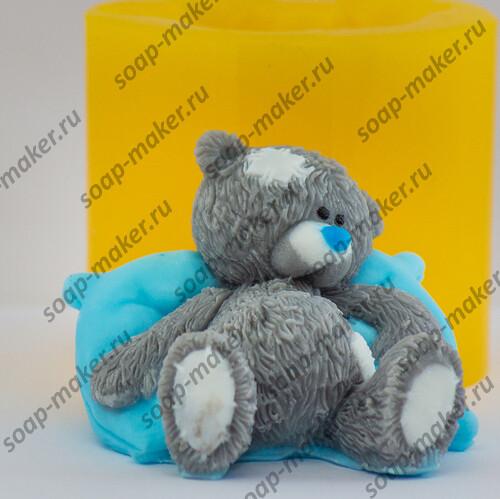 Тедди на подушке 2